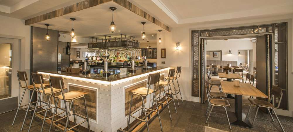 the bar at the heathmount hotel inverness